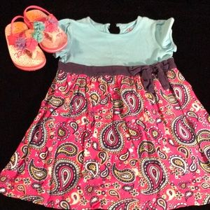 Pink/multi blue summer dress w/ accented shoes.